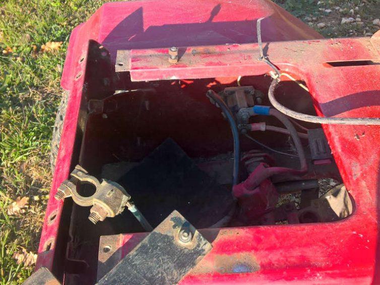 Emplacement batterie tracteur tondeuse